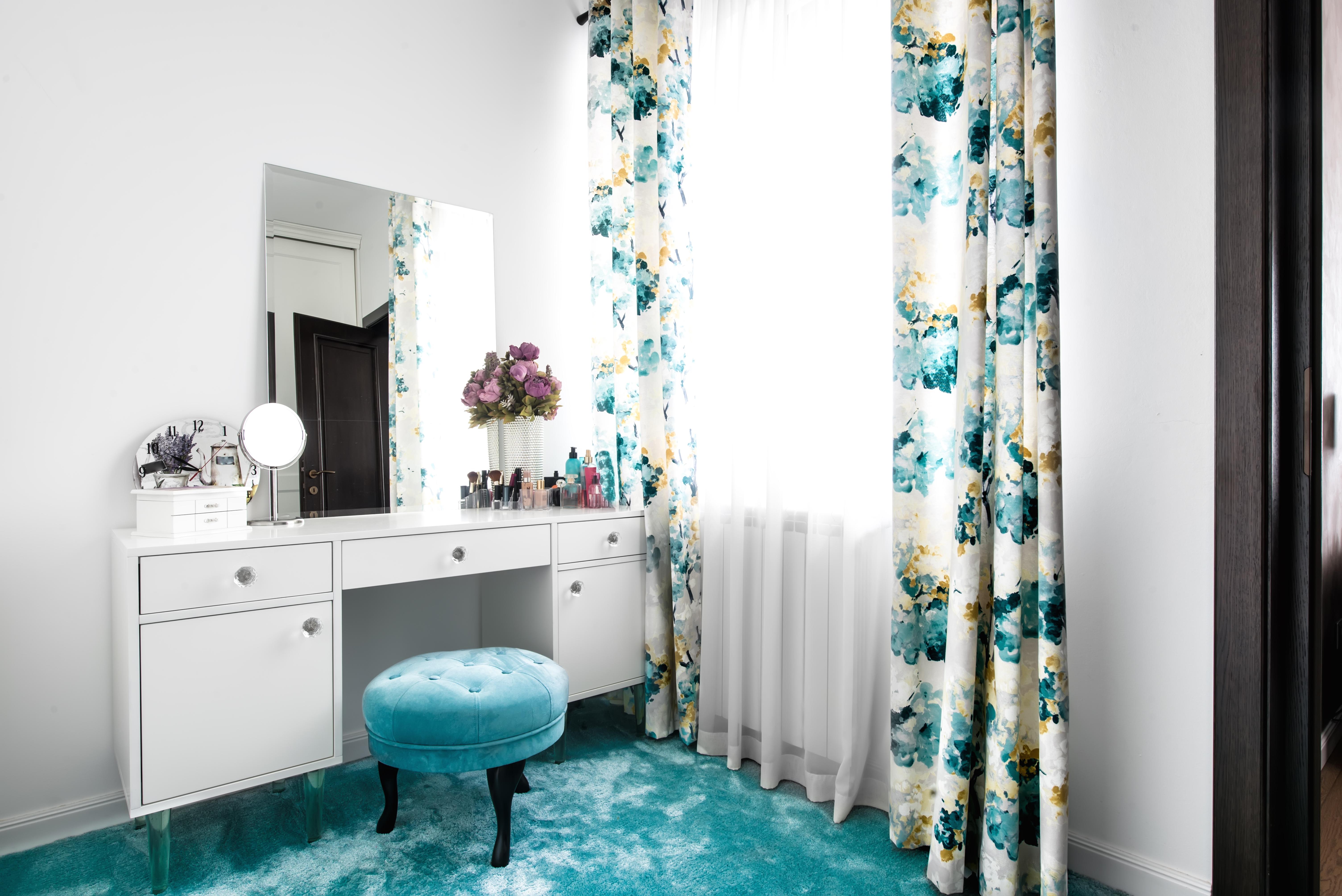 Toaletka w domu - jaki mebel wybrać